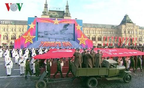 Nga kỷ niệm 77 năm Cuộc duyệt binh huyền thoại trên Quảng trường Đỏ - Ảnh 1.
