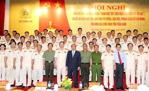Thủ tướng: 6 điều Bác Hồ dạy là kim chỉ nam cho Công an nhân dân - Ảnh 2.