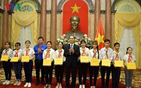 Chủ tịch nước Trần Đại Quang gặp mặt chỉ huy Đội giỏi toàn quốc - Ảnh 1.