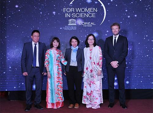 Vinh danh 5 nhà khoa học nữ xuất sắc - Ảnh 1.