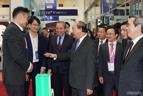 Thủ tướng nêu các 'từ khóa' kích hoạt kinh tế tư nhân - Ảnh 3.