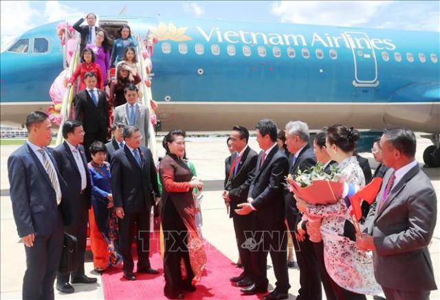 Chủ tịch Quốc hội đến Thái Lan bắt đầu tham dự Đại hội đồng AIPA 40 - Ảnh 1.