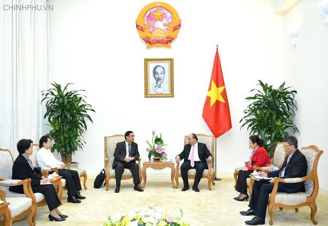 Thủ tướng tiếp Chủ tịch Hội Liên lạc với người Việt Nam ở nước ngoài - Ảnh 1.