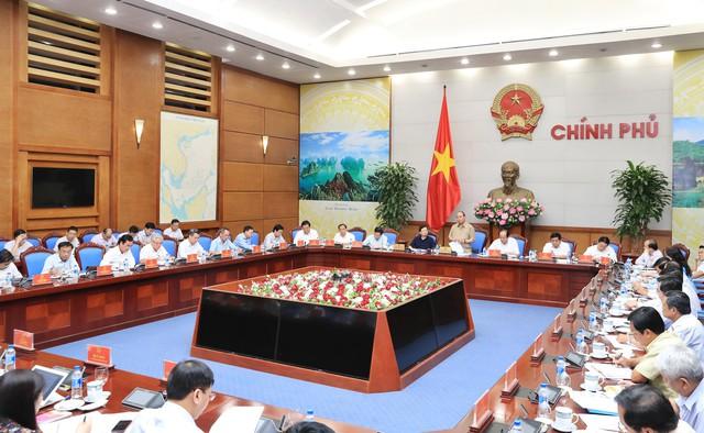Thủ tướng làm việc với các tỉnh ĐBSCL về chống sạt lở - Ảnh 2.