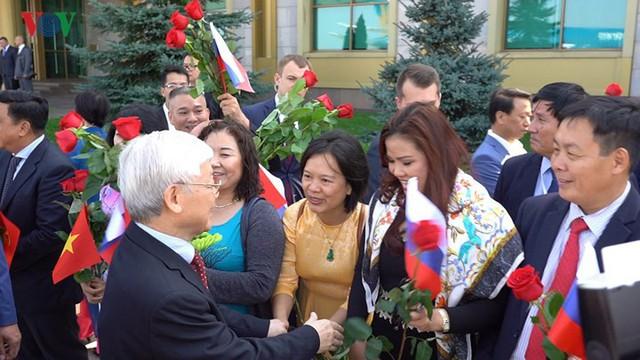 Ảnh: Lễ đón Tổng Bí thư tại sân bay Vnukovo, Liên Bang Nga - Ảnh 9.