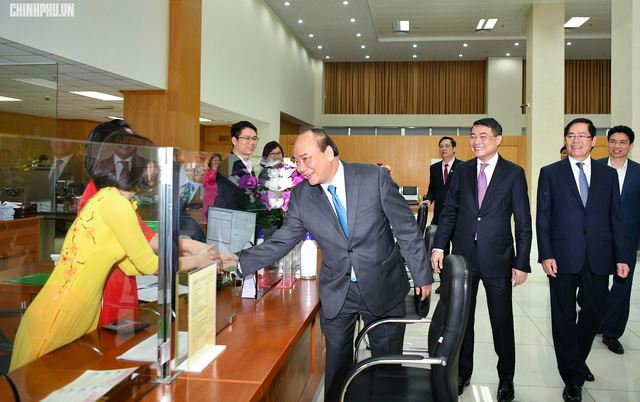 Thủ tướng thăm kênh vốn của người nghèo nhân đầu năm mới - Ảnh 2.