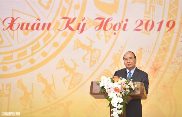 Thủ tướng thăm kênh vốn của người nghèo nhân đầu năm mới - Ảnh 3.
