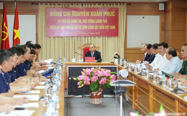 Thủ tướng làm việc với Bộ tư lệnh Cảnh sát biển - Ảnh 2.
