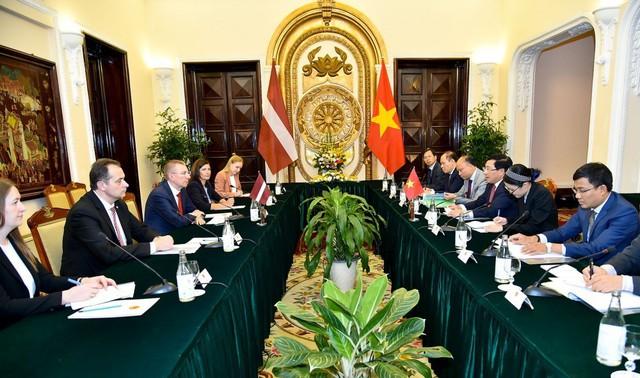 Bước phát triển mới giữa Việt Nam - Lát-vi-a - Ảnh 1.
