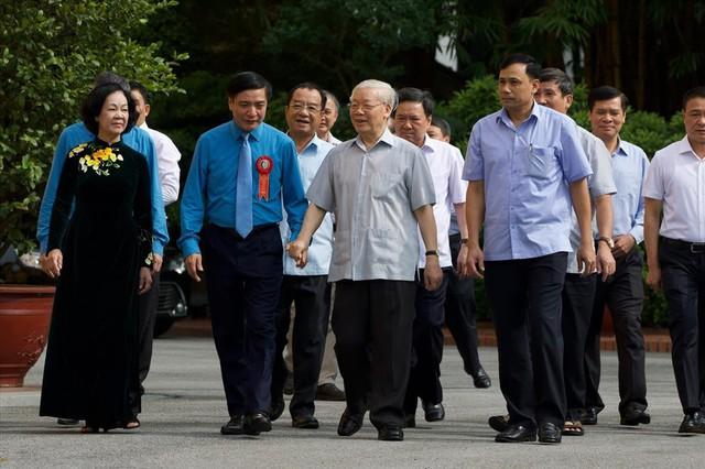 Tổng Bí thư, Chủ tịch nước gặp mặt Đoàn đại biểu Chủ tịch công đoàn cơ sở tiêu biểu - Ảnh 1.