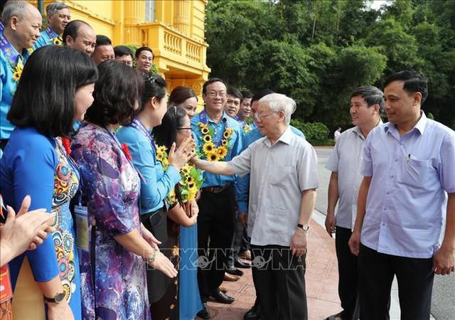 Tổng Bí thư, Chủ tịch nước gặp mặt Đoàn đại biểu Chủ tịch công đoàn cơ sở tiêu biểu - Ảnh 2.