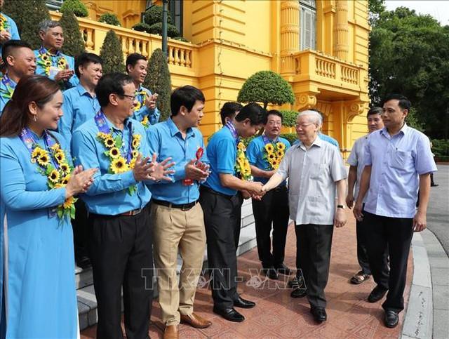 Tổng Bí thư, Chủ tịch nước gặp mặt Đoàn đại biểu Chủ tịch công đoàn cơ sở tiêu biểu - Ảnh 4.