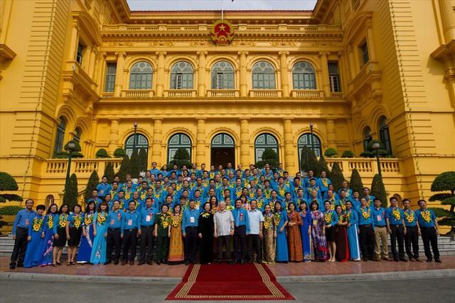 Tổng Bí thư, Chủ tịch nước gặp mặt Đoàn đại biểu Chủ tịch công đoàn cơ sở tiêu biểu - Ảnh 6.