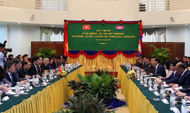 Đưa quan hệ Việt Nam-Campuchia không ngừng phát triển trong thời gian tới - Ảnh 1.