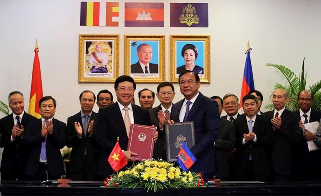 Đưa quan hệ Việt Nam-Campuchia không ngừng phát triển trong thời gian tới - Ảnh 2.