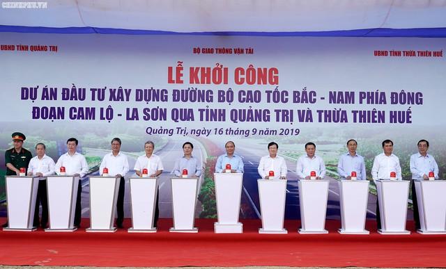 Thủ tướng: Tuyến đầu tiên của cao tốc Bắc-Nam phía Đông phải là hình mẫu - Ảnh 1.